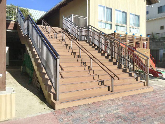 階段の床材として人工木材エバーエコウッド CONTRACT を使用