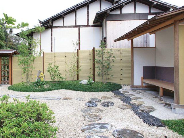 和風庭園の目かくしに、e-バンブーユニットこだわり竹みす垣でつくるみす垣フェンス